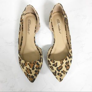 Breckelle's Leopard Flats Pointy Toe Size 7.5
